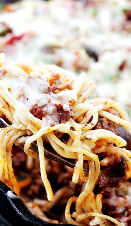 Spaghetti Beef Casserole Recipe Layered Spaghetti Casserole Dinner Combined With A Saucy Beef Mixture