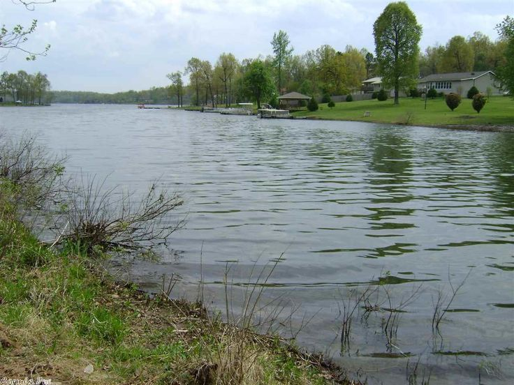 Cheap Price on this LAKE LOT ON CROWN LAKE. This lot is on a quiet cove no wake area of the lake. Build your own boat dock, park your boat or pontoon, fish swim, ski, tube, or just take a relaxing ride and enjoy the lake. Summer is here and time for you and the kids, or grandkids to enjoy. This is a very nice buildable lot on the lake for a vacation home or retirement home. Come see it today before someone else sweeps up this deal in Horseshoe Bend AR