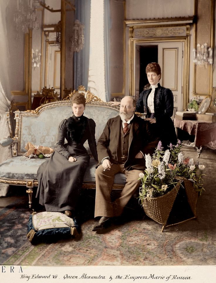 "nikolaevnas: ""King Edward VII of the United Kingdom (cigar in hand of course), his wife Queen Alexandra, and her sister Dowager Empress Marie Feodorovna of Russia. """