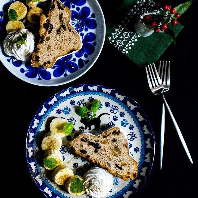 昨日の夜のデザート シュトーレン クリスマスまで後少し☺️✨ 少しづつ食べてます。✨✨ #シュトーレン#クリスマス#stollen #シュトレン#xmas#christmas#sweets #甘い#ティータイム#Teatime#おうちカフェ#スイーツ #スイーツ部#おやつ#デザート#コーヒー#紅茶#お茶#parfait #ロールストランド#ポーランド#キャットウォーク#ブンツラウカステル#BunzlauCastle #IGersJP#Coffee#japanese#Dessert#Postre#kaumo