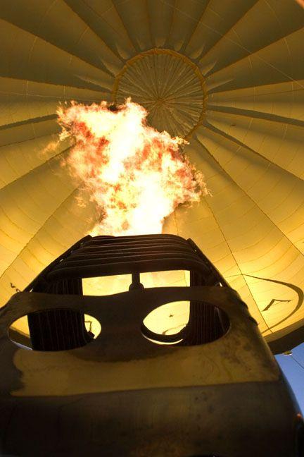 #globalballooning #melbourne #yarravalley #seeaustralia #visitvictoria #ballooning #balloonflights #ballooning #bucketlist #proposal #victoria #australia #gift #present #romantic #romance #views #wedding #serenity #sunrise #travelling #weather