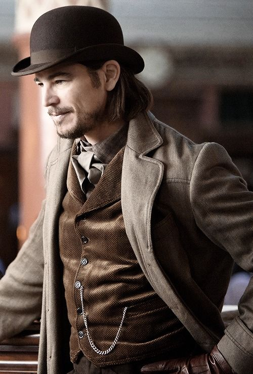It's been fun speculating exactly WHAT IS ETHAN CHANDLER on Penny Dreadful. During the finale reveal, I was almost disappointed that I totally foresaw that. Only question left is this: Is Ethan also Jack the Ripper??