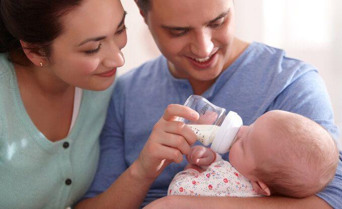 PhilipsAvent: Preparación de un biberón para el bebé-PhilipsAvent: Preparación de un biberón para el bebé