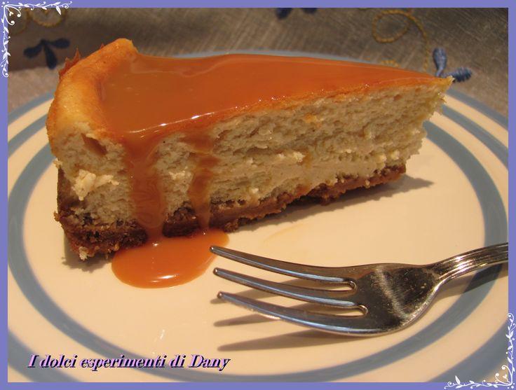 Cheesecake alla cannella con salsa mou