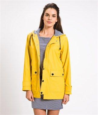 Venti e mari: Yellow Raincoat, Rain Coats, Women Yellow, Yellow Waterproof Women, Spring Shops, Bateau Raincoat, Rain Jackets, Petite Bateau Us, Women Raincoat