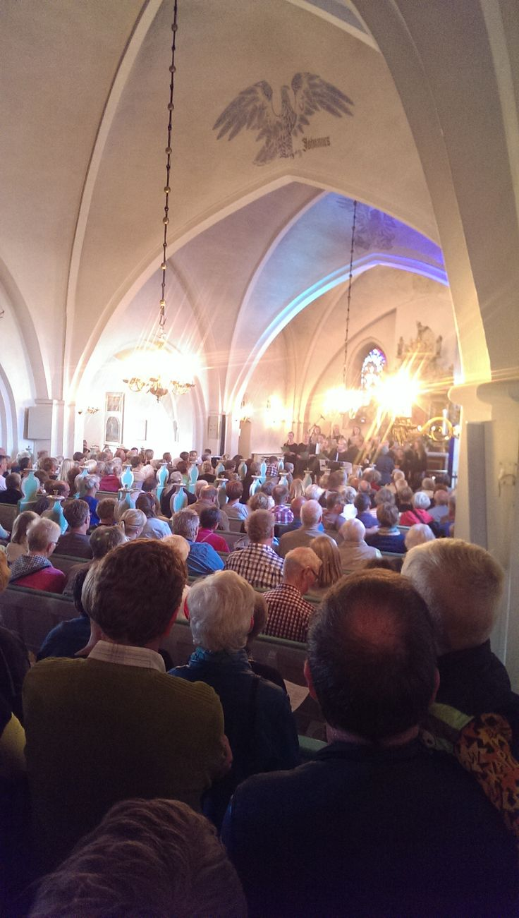 Beatles koncert i en stopfyldt Grenaa kirke