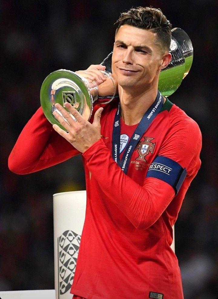 Cristiano Ronaldo Ronaldo Cristiano Ronaldo Cristano Ronaldo