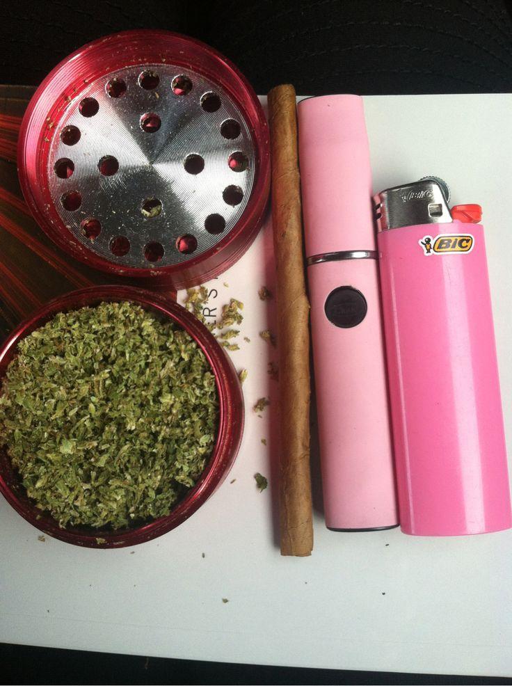Desperately need this pink vape pen
