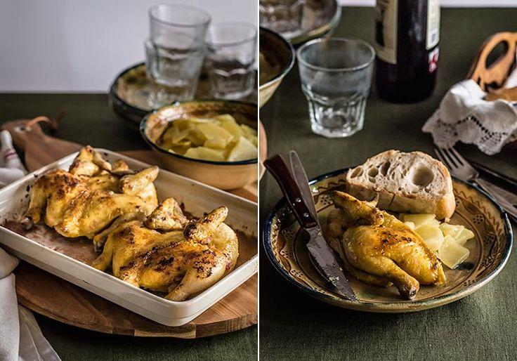 Receta fácil y sabrosa de pollos picantones en ajillo, con adobo de verduras, guindilla y limón, asados al horno. Elaboración con fotos paso a paso.