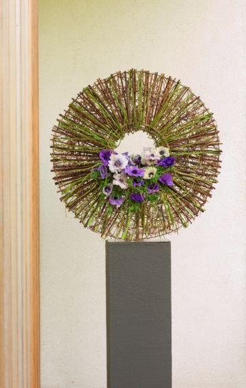 #Zweige #rund #hoch Round floral design