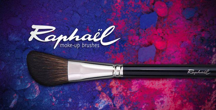 Pinceaux de maquillage haut de gamme fabriqués en France. Des pinceaux résistants, doux et très précis, pour créer un maquillage digne d'un professionnel !