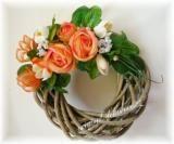 Věnec šedý s oranžovými růžemi (malý) - věnec na dveře