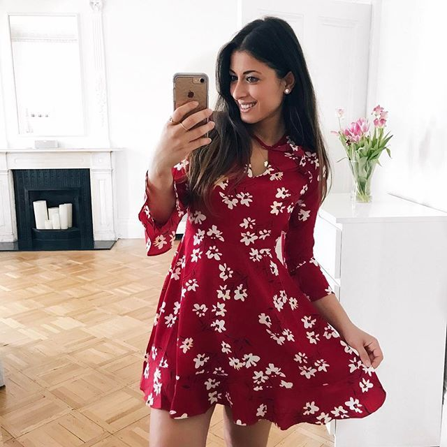 Mimi Ikonn | Red Floral Mini Dress, Flared Sleeves | OOTD, Spring Outfit