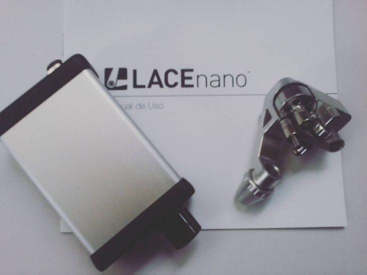 Pra que depender de outras máquinas de tatuar, pra pintar e traçar, se você tem tudo o que precisa dentro do kit da LACEnano (máquina, fonte, adaptadores de tomada, cabo e a maleta)  Venha conhecer esse motor brushless autoclavável em TCM SUPPLY.  Whatsapp 11-98673-8821 #lacenano #lacenanobrasil #rotarymachine #maquinarotativa #maquinadetatuar #tattoos