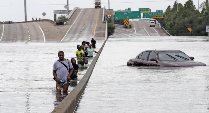 Εντείνεται το πρόβλημα των πλημμυρών στο Χιούστον υπερχείλισε φράγμα
