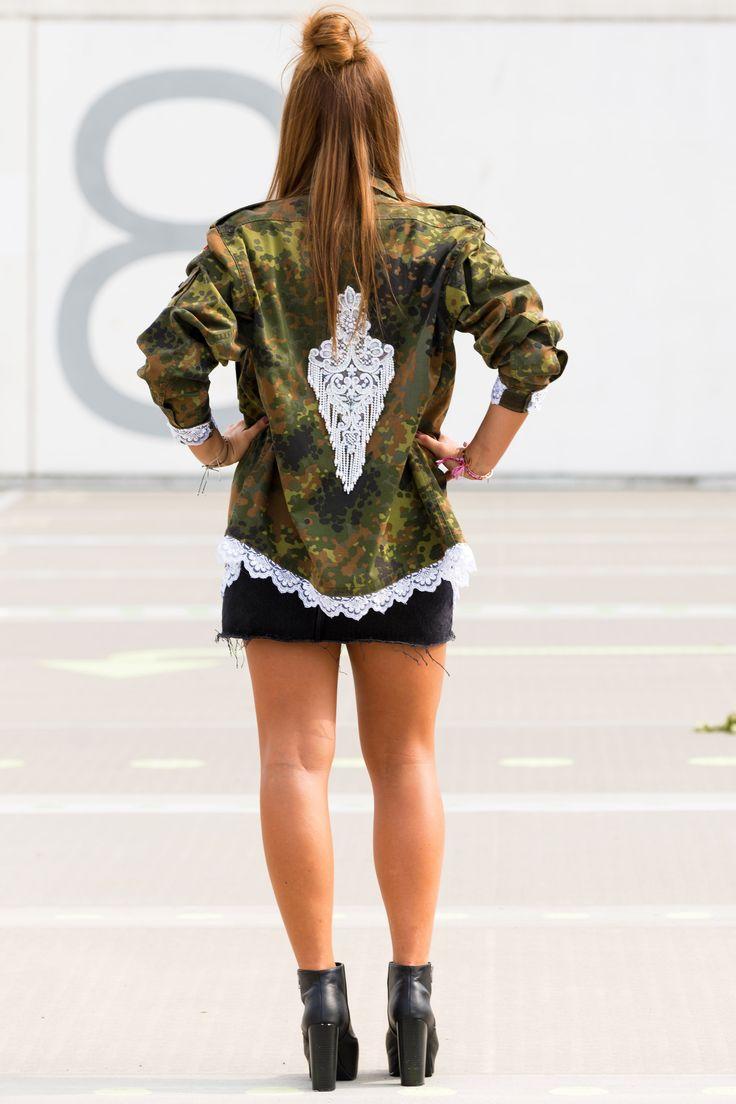 Camouflage Jacke - Camouflage-Jacket - Pailletten - Weihnachten - Halloween - Fasching - Geschenk - Fasching - Sweatshirt - Pants - Mütze - Longsleeve - Wintercoat - Spitze - Stiefel - High heel - Flammkuchen-Toast - Künstlerisch gestalteter Flur - Lederjacke mit schwarzem Kleid - Karottenkuchen - Esszimmer in Roségold - Relaxed Style - Fruchtige Eiswürfel - DIY - Paletten-Couchtisch - Valle Verzasca - Schweiz- Streetstyle- Basteln mit Kindern - Nähen - Tattoo - Natur - Armee - Army…
