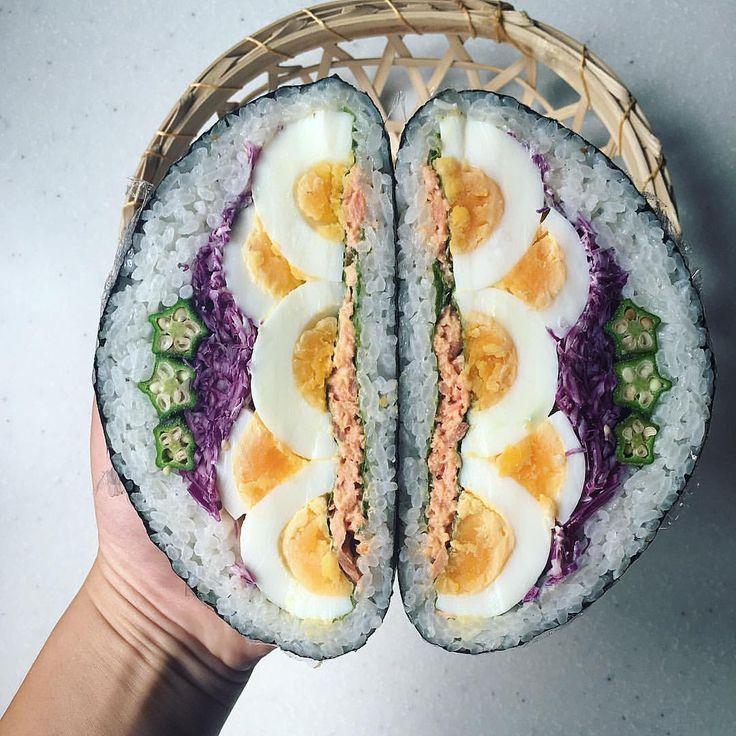 昨日のデビルサンドのおにぎらず版。 #デビルおにぎらず 〜! @______sawa______ さわさーん✨作ったよ〜 ・ 半分ずつなので、ひとり卵1個。言うほどデビルじゃないか ・ この感じなら卵三段イケたな ・ *トリュフ塩ごはん *大葉 *鮭マヨ *たまご *紫キャベツ塩もみ *オクラ ・ すごく綺麗なデビルサンド作っていた @e_shinji さんの卵ウェーブを参考にしてみました! ・ さてさて今夜は、岩牡蠣祭りに誘われて行ってきます果たして生牡蠣食べることができるのかっ⁉︎こうご期待⁉︎笑 ・ #おにぎらず#わんぱくおにぎらず#わんぱくおにぎらず部#デビルサンド#おにぎり#朝食#朝ごはん#朝時間#おうちごはん#lin_stagrammer #delistagrammer #デリスタグラマー#クッキングラム#igersjp #riceball #onigirazu#onigiri #japanesefood #japan#breakfast #萌え断