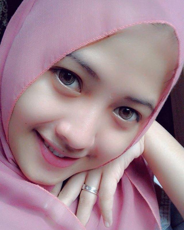 beautiful #cute #likeforlikes #sweet #selfie #muslim #beautifulgirl #gadiscantik #jilbab #gadis #hijabers #hijab #pinklips #hijabfashion #jilbabfashion #islam #hijabersindonesia #ok #naturalface #likes4likes #hijabstyle #tags4tags #cantik #tagsforlikes #muslimah #wanitamuslimah #bidadariselfie #smile #like4like #imut
