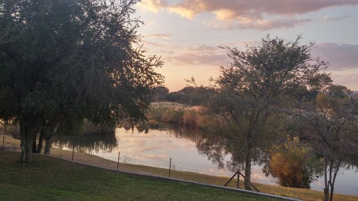 https://flic.kr/p/zg8XX1 | Sunset view of the Mokolo River from the house.