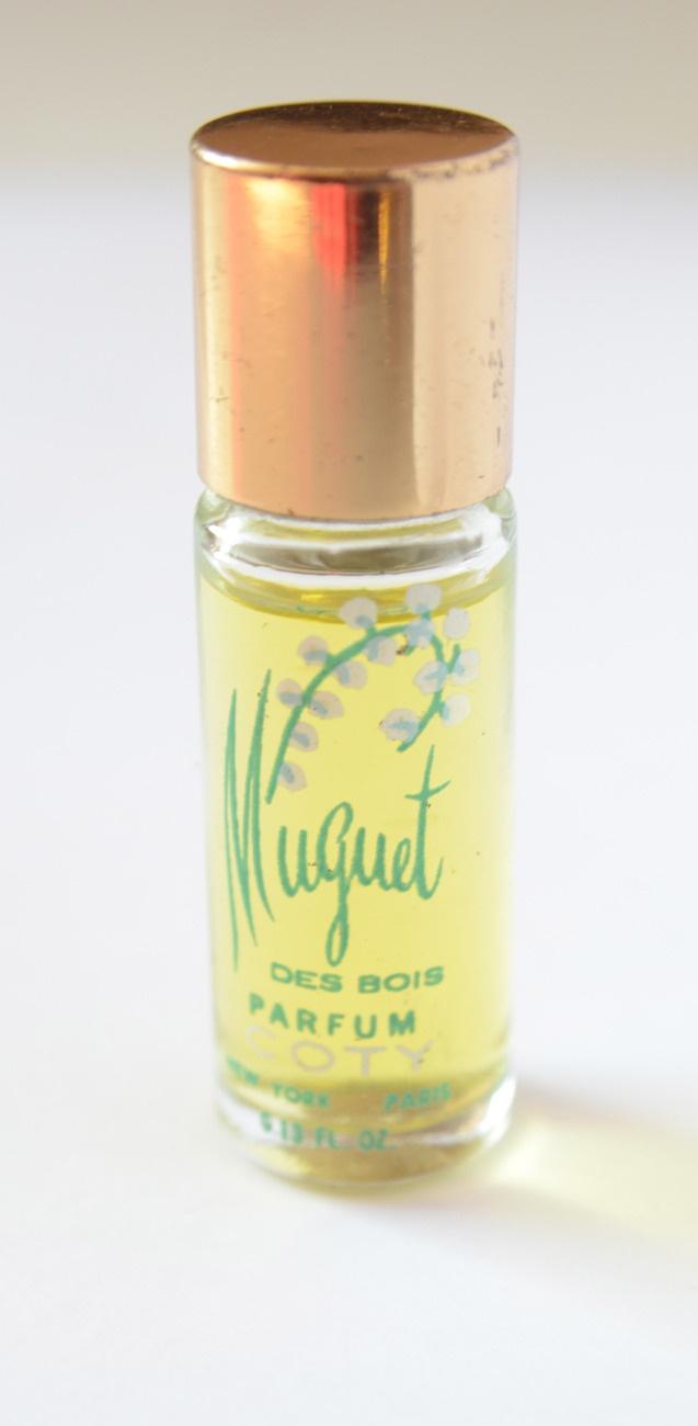 17 best images about fragrances i 39 ve known loved on pinterest jasmine ralph lauren and cologne. Black Bedroom Furniture Sets. Home Design Ideas