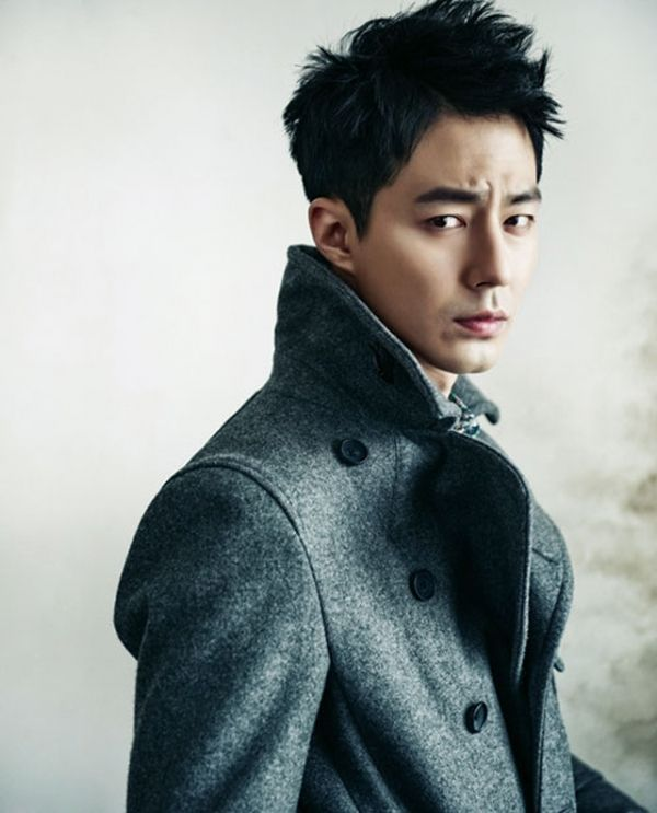 Tough looking guys are my ideal type. That's In Sung Oppa! :)