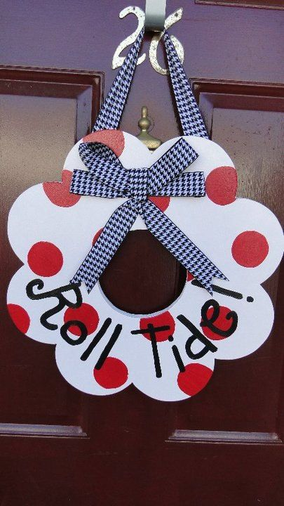 this would be so easy to make for holidays or for gamecocks...where do you get the wood wreath like that???