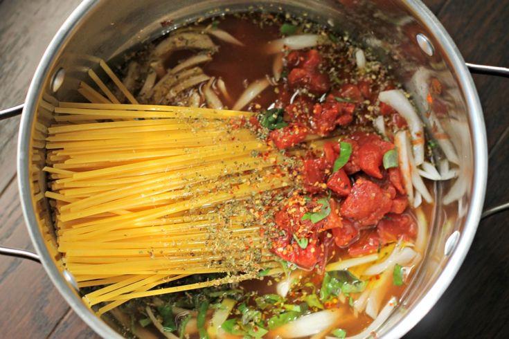 One Pot Tomato Basil Pasta- SO delicious