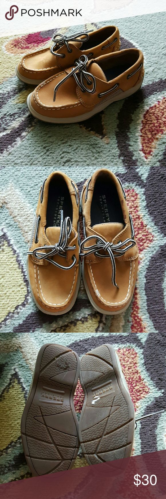 Boys Sperry top sider intrepid Great condition worn once!!! Soles will be cleaned before shipped 😄 Sperry Top-Sider Shoes