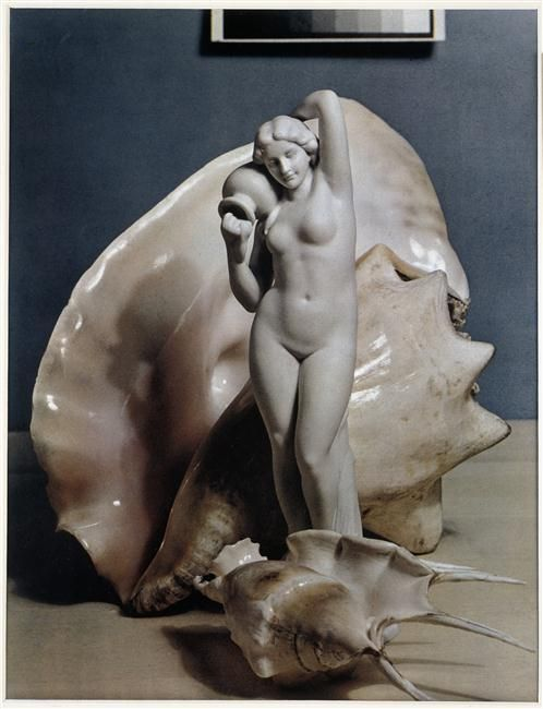 Paul Outerbridge: Statue and shells ca. 1936