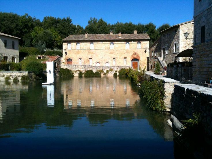 Bagno Vignoni. La piscina Unesco.