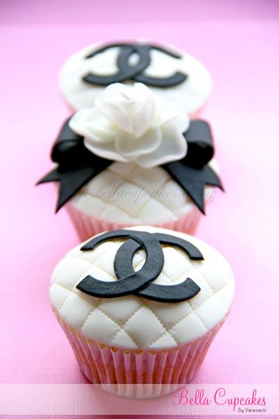 These are the cutest chanel themed cupcakes ever! I heart Bella Cupcakes