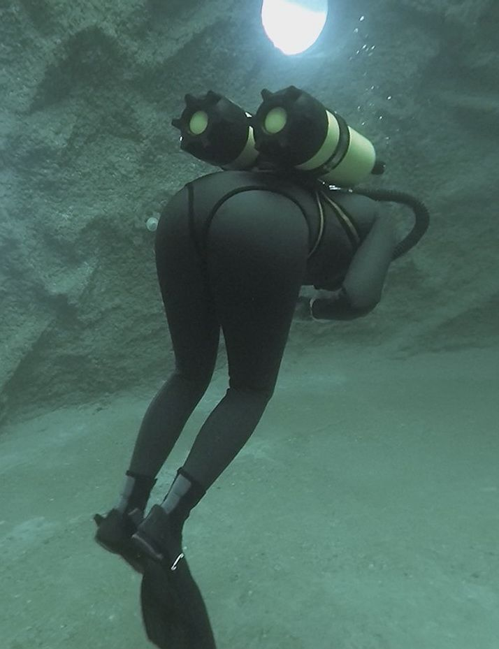 Rubber dive suite fetish underwater