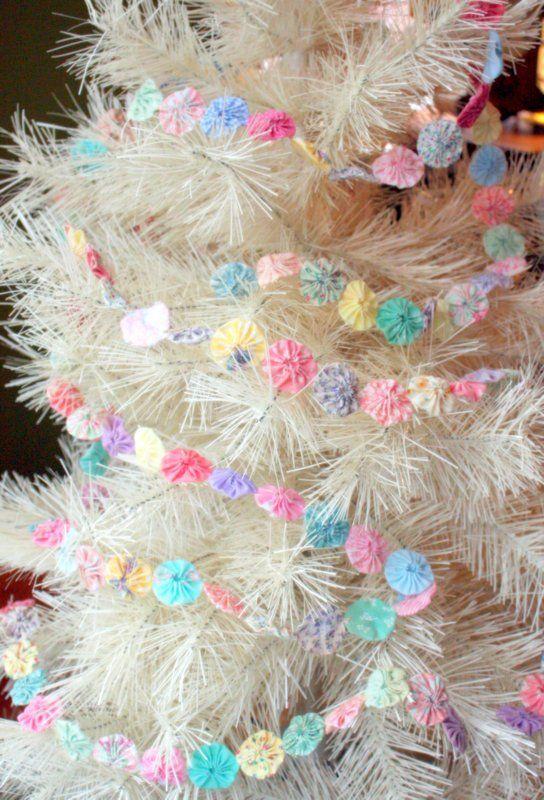 Vintage yoyo Christmas tree garlands.