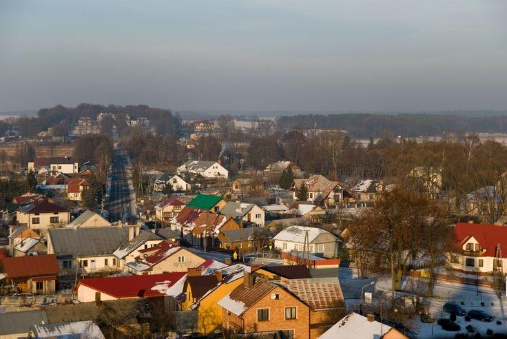 Widok z wieży kościelnej na miasteczko i Pałac Łosiów