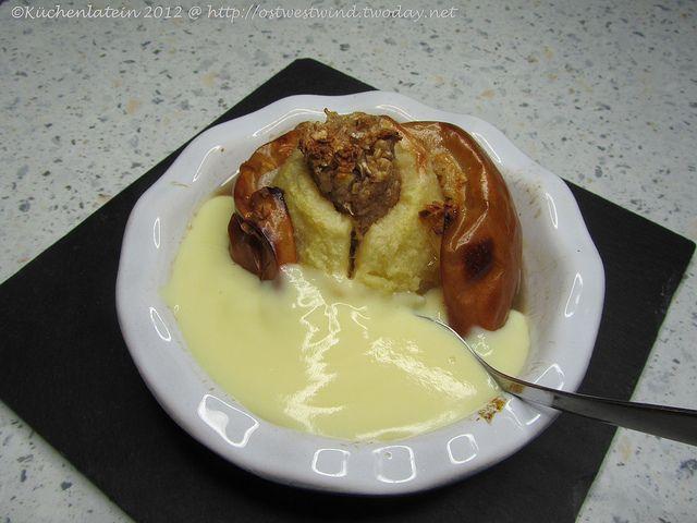 Bratapfel mit Vanillesoße by ostwestwind