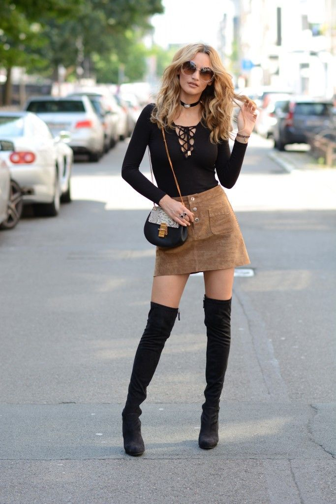 knee high boots with skirt