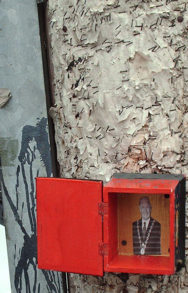 Inside the Mayor Larry Box by elmaks