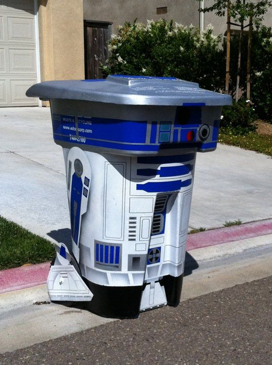 Google Image Result for http://cdn.walyou.com/wp-content/uploads//2011/12/R2D2-Trash-Can.jpg: Weekend Projects, Awesome, Stars War, R2D2 Trash, The Cities, Trash Bins, Geek Home, House, Starwars
