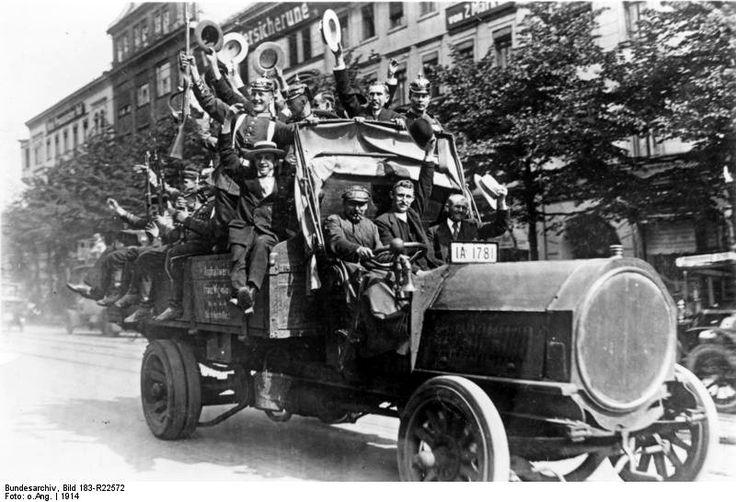 From+Wikiwand:+NAG-Lkw+(Bj.+1913,+45+PS)+in+Berlin+während+der+Mobilmachung+1914