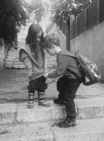 inkandalchemy: Love this photo! My older sister still helps me zip up my coat from time to time. What is it about zippers that gives me so m...