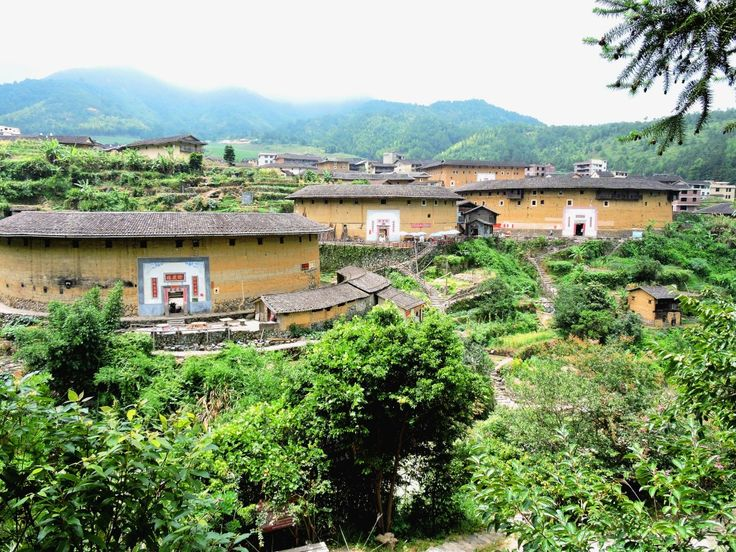 Visiting the Fujian Tulou from Xiamen. Useful tips to know when planning a trip to this UNESCO Heritage Site!
