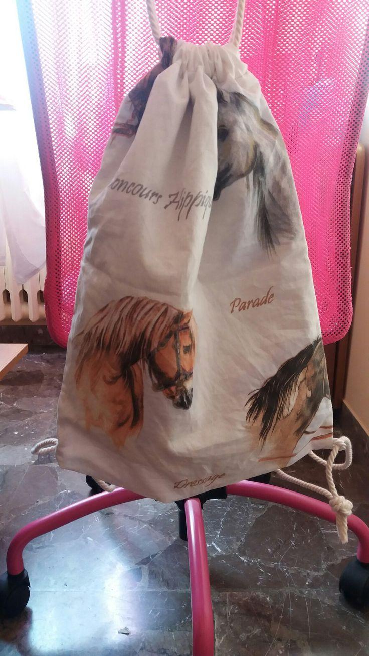 Zainetto stampa cavalli