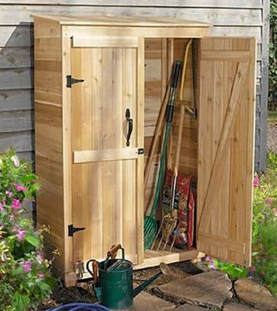Is storage space an issue? Not any more. Squeeze our 4x2 Garden Chalet into the smallest of spaces and keep tools and supplies organized. The combination of shelves on one side, and a full-height space on the other, makes the Garden Chalet a versatile option for smaller gardens.