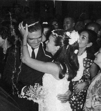 Tlife.gr: Τζένη Καρέζη: Η ζωή της σε φωτογραφίες