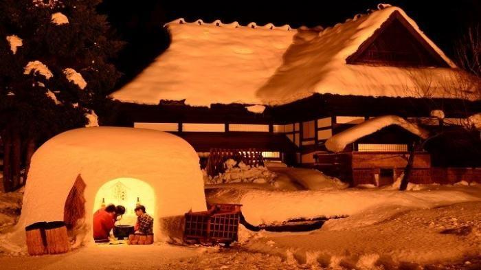 Festival Jepang - Unik! Festival Berusia 450 Tahun Ini Hadirkan Lebih dari 100 Rumah Salju