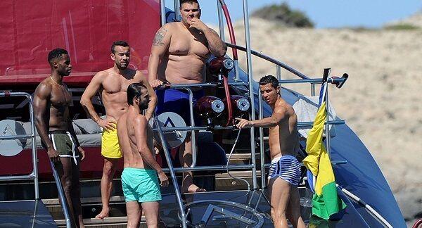 Alquiló en 2016 un yate de 36.5 metros por 90 mil euros por semana - El Ascari que dispuso Cristiano tiene lugar para 10 personas además de cinco tripulantes que ponen en funcionamiento la embarcación.