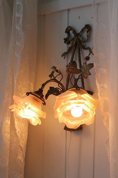 Feminine rose wall light - victorian