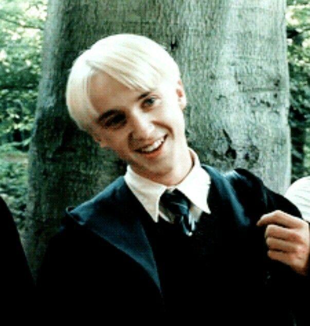 Manga Draco Malfoy Smile Draco Malfoy Smile Draco Malfoy Imagines Draco Malfoy Aesthetic Whit In 2020 Draco Harry Potter Draco Malfoy Harry Potter Draco Malfoy