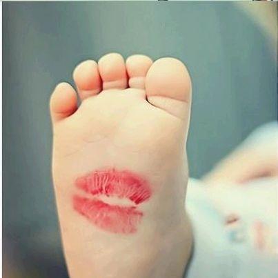tiny little feetsies