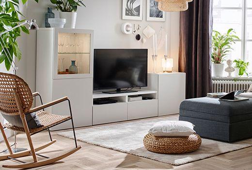 Mobile TV BESTÅ bianco con elemento audio/video a giorno e TV a schermo piatto nera - IKEA